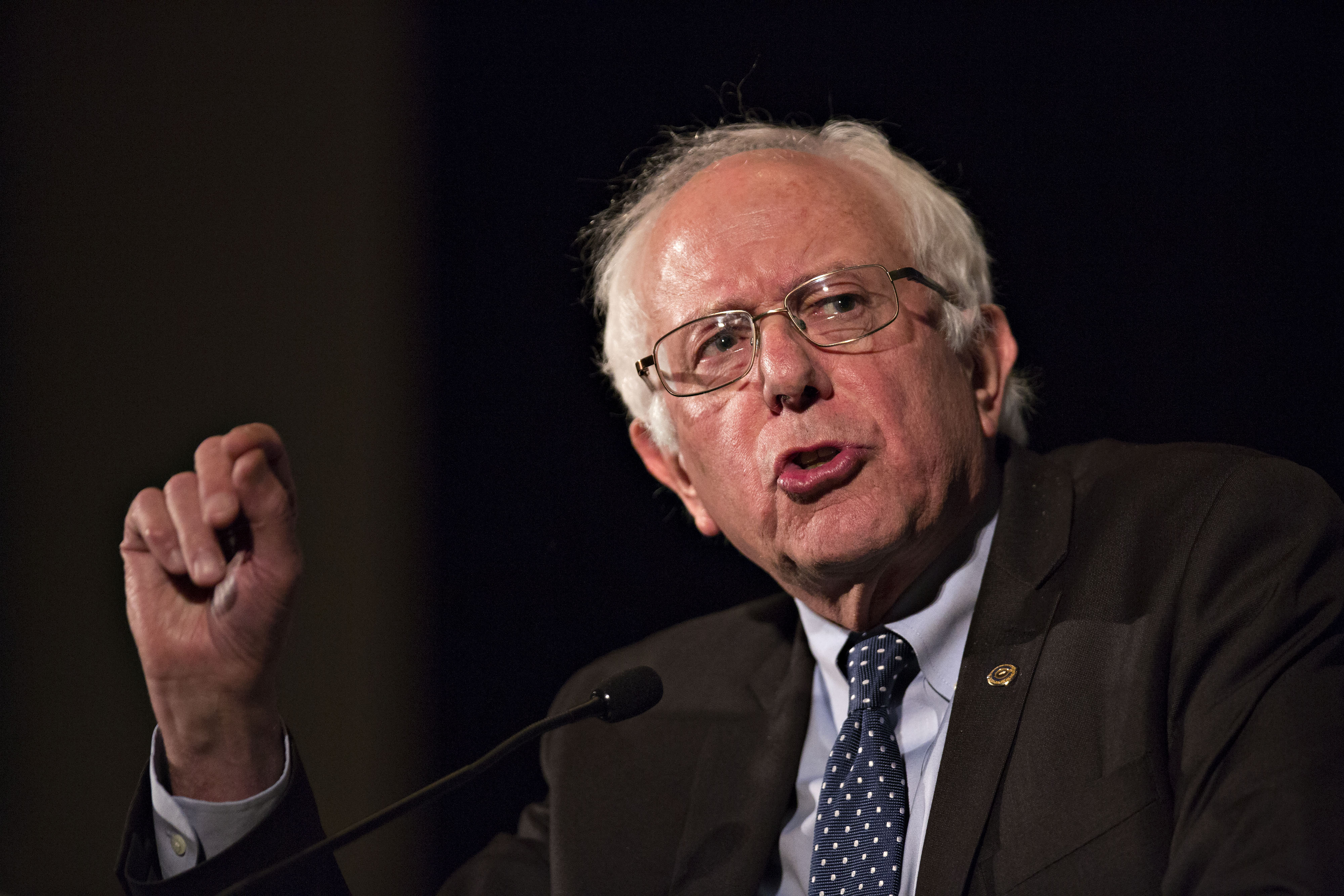 the speech of bernie sanders and the overall being and economic problems of american people Bernie sanders has addressed solutions for some of the major problems affecting the black community bernie sanders has people were killed by american.