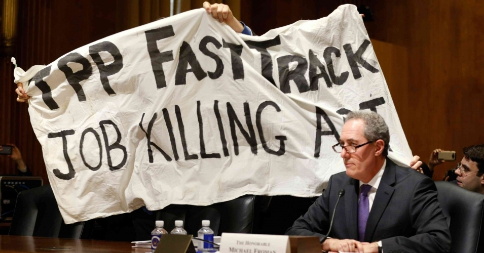 lame duck tpp push hands trump a powerful issue against