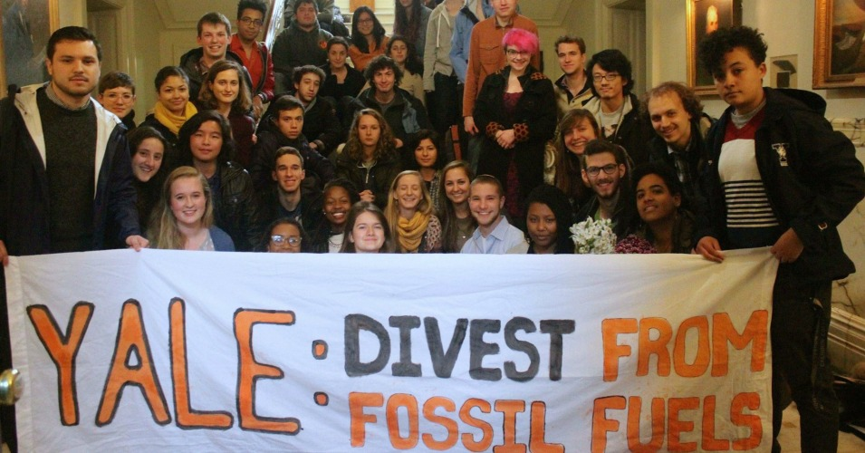 Some of the 48 students occupying Yale administrative offices. (Photo: Fossil Free Yale/Facebook)
